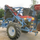 4133 Asa-Lift T240B carrot harvester 2 row with bunker