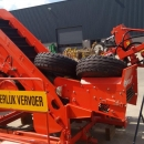 4245 Dewulf P3K carrot harvester with elevator