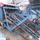 4350 Asa-Lift carrot harvester T-200E 2 row with elevator