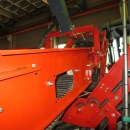 4557 Dewulf GBC carrot harvester 1 row with bunker