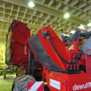 4601 / 4557 Dewulf GBC carrot harvester 1 row with bunker