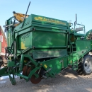 4738 Wuhlmaus WM 6000 1 row potato harvester