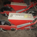 3302 TUME sugar beet seeder with fertilizer