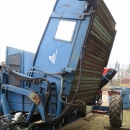 4034 Asa-Lift T120-B carrot harvester with bunker