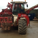 4098 Simon carrot harvester selfpropelled Sharelift harvester