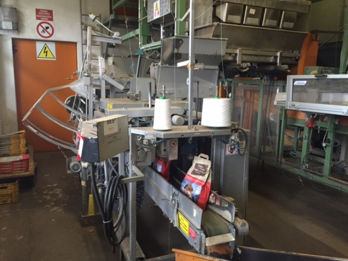 4250 Upmatic 4315 paper bagger for paper bags