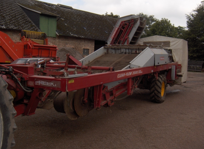 3044 REEKIE potato harvester 2 row with elevator