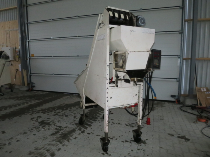 4438 SKALS AM420 automatic weigher