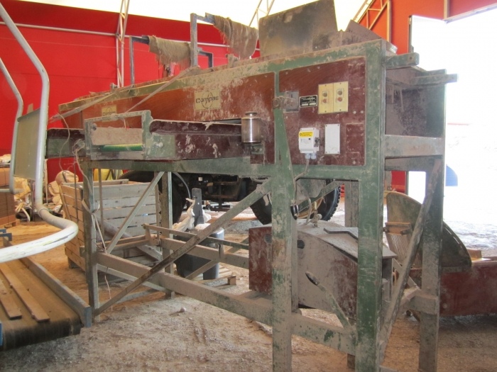 3207 Compas potato sorter with elevator