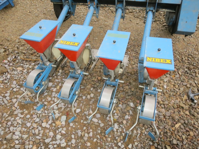 4496 Nibex 300 4 row seeder for carrots and other vegetables