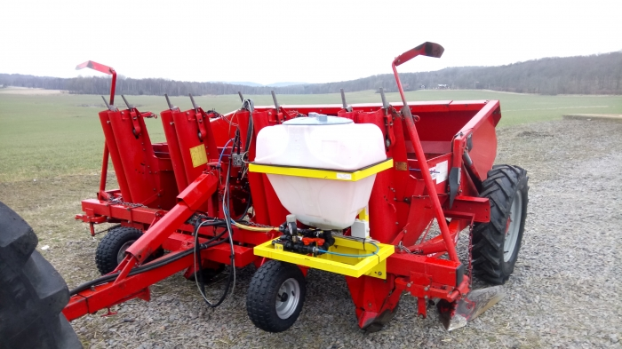 4611 Kverneland Underhaug 1300 potato planter