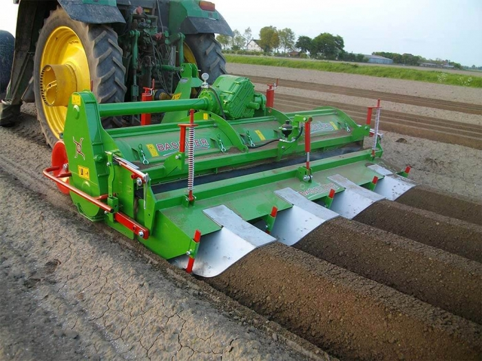 4972 Baselier ridging cultivator