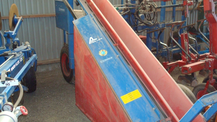 3161 ASA-LIFT leek harvester