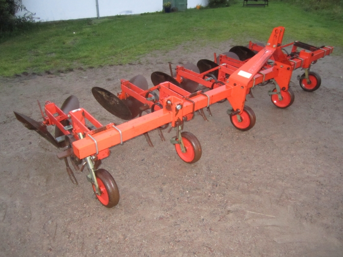 3477 Checchi Magli disc ridger 4 row VR76