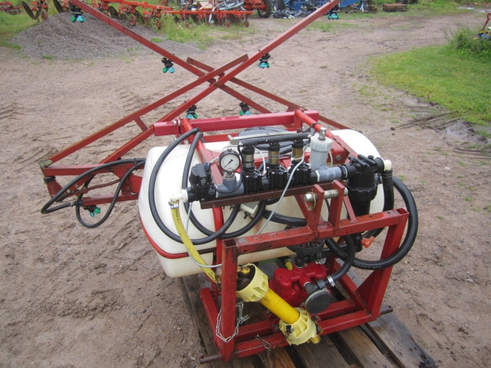 3480 Hardi small sprayer 200 ltr 6 m ramp el-steering