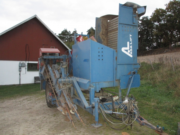 3670 Asa-Lift carrot harvester 1 row with bunker