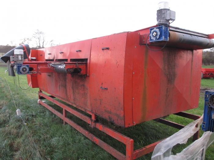 3701 EKKO roller grader for carrots etc