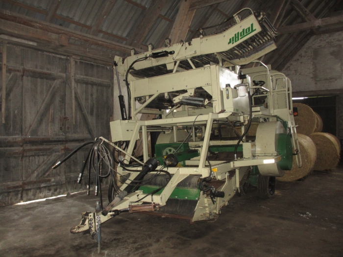 3840 Top air onion harvester