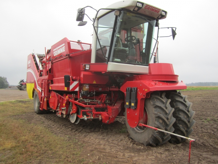 3862 Grimme SF150-60 UB XXL 2 row self propelled potato harvester with bunker