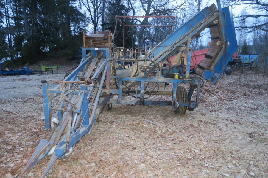 4631 Asa-Lift garlic harvester