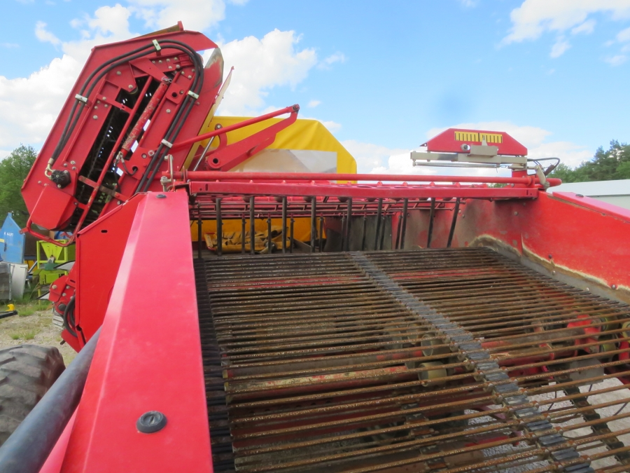 4653 Grimme DL1500 2 row with Elevator