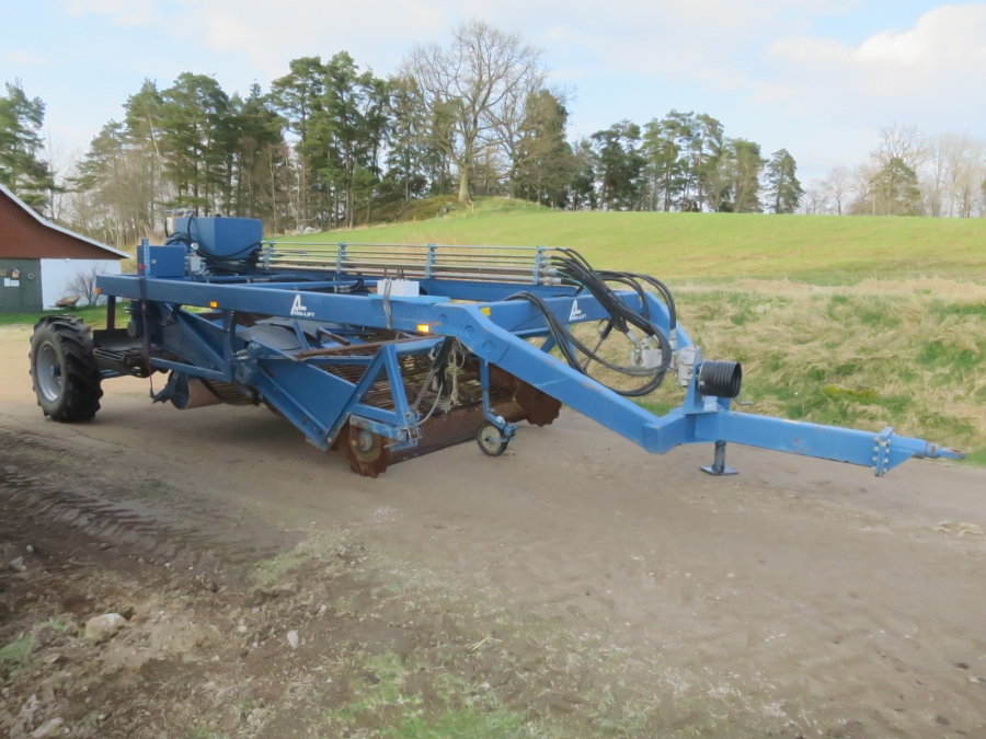 4767 Asa-Lift WR230 onion windrower trailed