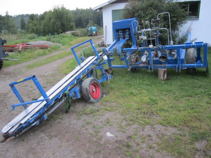 3240 ASA-LIFT cabbage harvester